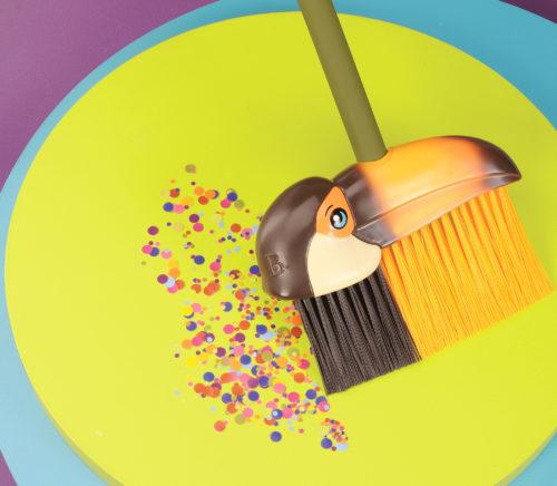 Kids toucan broom.