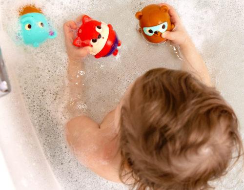 Animal bath squirts.